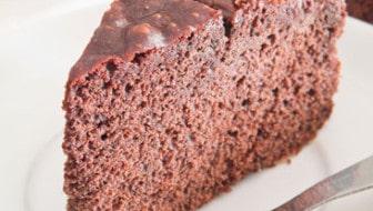 Quinoa Chocolate Cake: HybridRastaMama.com